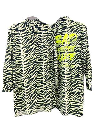 Picture of CAMICIA LUNGA FANT. ZEBRATA DETT. IN GIALLO FLUO+STAMPA RETRO SHOP*ART